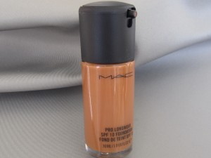 mac pro longwear spf 10 NW50
