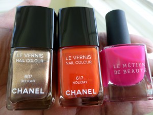 chanel delight holiday le metier de beaute snappy dragon nail polish